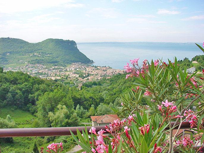 Blick auf Garda von oben