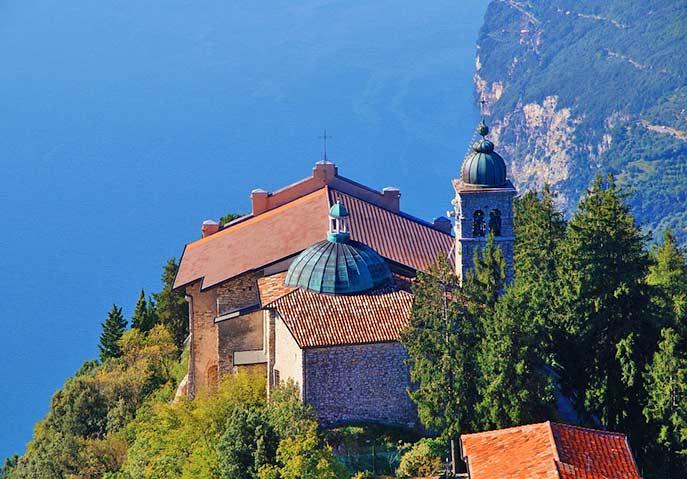 die Wallfahrtskirche Montecastello