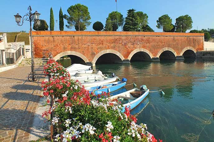 Ferienhäuser & Ferienwohnungen in Peschiera del Garda